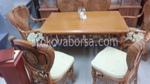 Разнообразен дизайн на маси със столове от естествен ратан