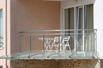 изработка на стъклени навеси