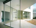 стъклена преградна стена по поръчка