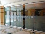 стъклена стена