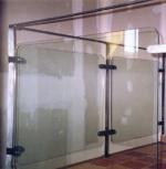 Изработка на стъклени парапети за стълбища