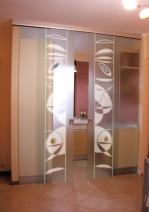 Интериорна преградна стена от стъкло по поръчка