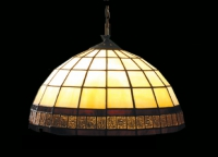 Изработка на лампи с витраж
