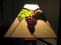 Дизайнерска нощна лампа с витраж