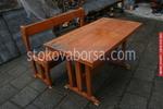 изработка на битова дървена маса с една пейка