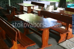 битова маса с две пейки за механа или кръчма