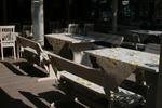 битови дървени маси с две пейки от масив за заведения