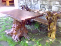 Маса със столове в уникален дизайн