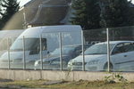 стъклена ограда за автокъща по поръчка