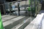 стъклен парапет
