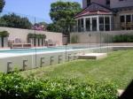 стъклени огради за басейни по поръчка