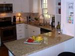 Изработка на кухненски плот от мрамор по готов размер