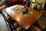 Луксозна маса със столове за трапезария