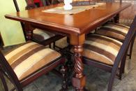 Стилна маса за трапезария със столове