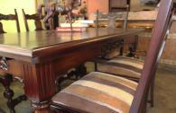 Елегантна маса стар стил