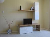 Стилен шкаф за телевизор