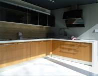 Стилна ъглова кухня на разпродажба