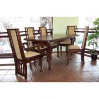 Олекотена трапезна маса и 6 броя столове