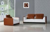 Стилен кожен диван с фотьойл в бяло и кафяво