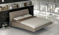 Тапицирани легла с дамаска производител