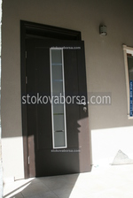изработка на външна врата от бук
