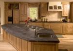 Заоблен кухненски плот мраморен
