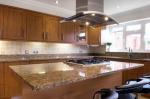 Изработка на правоъгълен кухненски плот от траверин