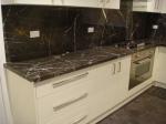 Изработка на прави кухненски плотове от мрамор