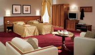 Луксозна спалня италианска за хотел