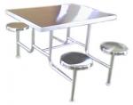 маси със столове от инокс