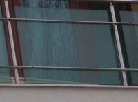 Парапет от зелено стъкло за тераса