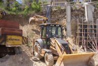 Изкопаване на канали и ями с багер