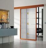 изработка на стъклена плъзгаща врата