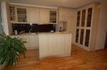 роскошь  меблировка кухни заказной мебелью
