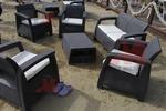 Маси и столове от ратан за плаж в различни цветове и плетки