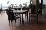 Комфортни и стилни маси и столове от евтин ратан