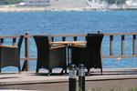 Маси и столове, произведени от ратан за море