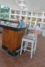 Топ качество на бар столове от ратан за заведения