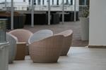 Лукс маси и столове от ратан слонова кост
