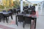 Маси и столове, произведени от ратан за басейн