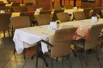 Столове от ратан за ресторанти