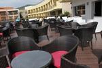Маси и столове от тъмен ратан,придаващи стил и комфорт