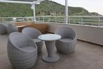 Мебели от ратан бежови