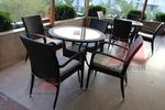 Маси и столове от евтин ратан за външно и вътрешно ползване