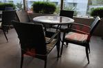 Дизайнерски маси и столове ратан за лятно заведение