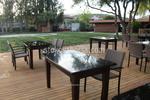 Стилни маси и столове от тъмен ратан