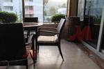 Мебели маси и столове от евтин ратан