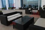 Модерни маси и столове от черен ратан