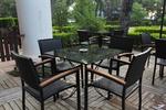 Красиви маси и столове от черен ратан