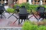 Удобни маси и столове от черен ратан
